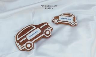 Perníková auta s logem